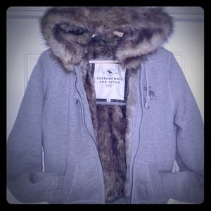 ABERCROMBIE & FITCH WOMENS FUR HOODIES  jacket L M